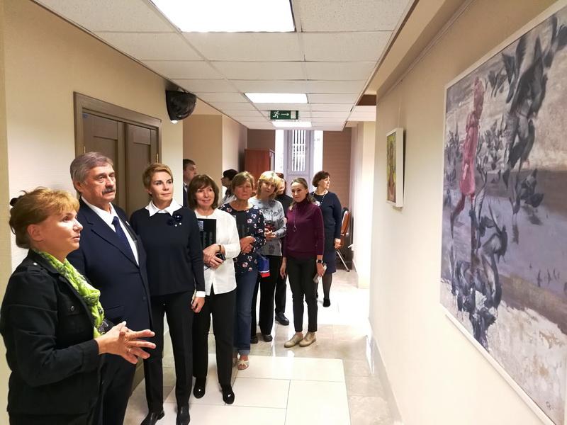 Выставка Любови Белых в Совете Федерации