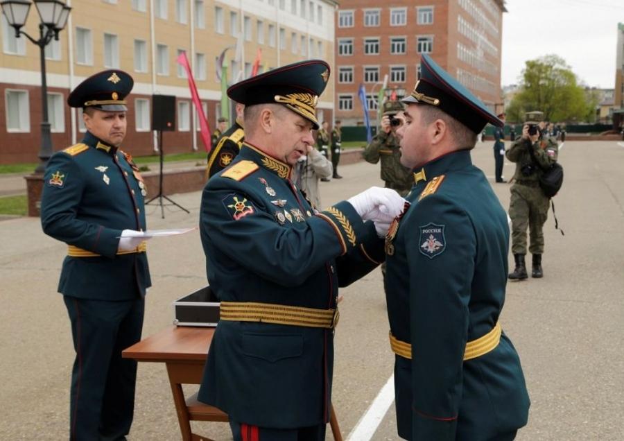 Выпускной в военной академии